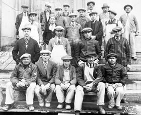 Europen Bricklayers Group Photo B&W