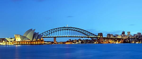Sydney Harbour Bridge wth Opera House